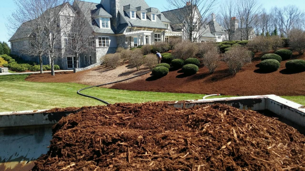 Create a Stunning Landscape With Fresh Mulch